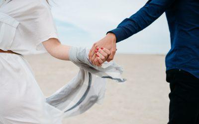 Wie sich Selbstliebe auf die Partnerwahl auswirken kann.